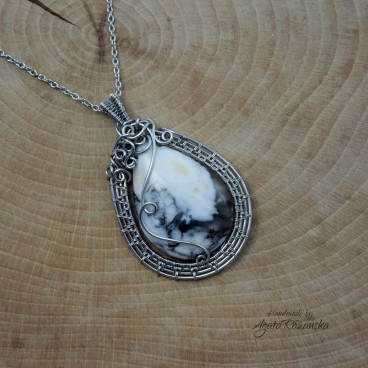Wisiorek opal dendrytowy, wire wrapping, stal chirurgiczna