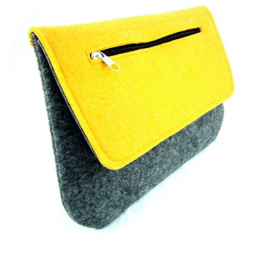 Yellow clutch, kopertówka z filcu